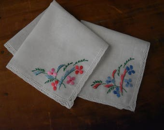 Vintage Embroidered Handkerchiefs - Embroidered Hankies - Floral Embroidered Hankies