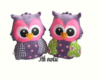 Ith owl  10 x 6 inch embroidery design