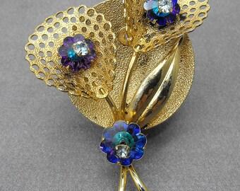 Vintage Ultra Violet Margarita Rivoli Rhinestone Flower Brooch Gold Plated