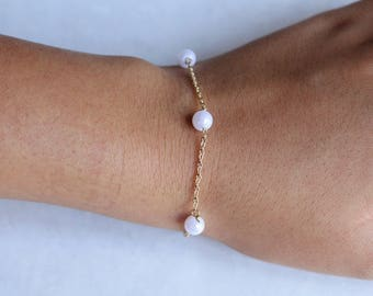 White pearls bracelet~pearls jewelry~gold bracelet~multiple pearls bracelet~everyday bracelet~pearl jewelry~pearl bracelet~pearls bracelet