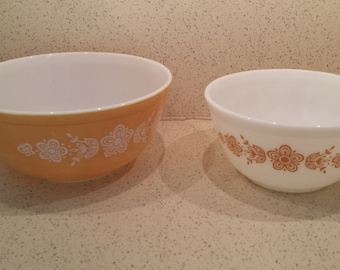 Choice SALE Pyrex Butterfly Gold Mixing Bowls