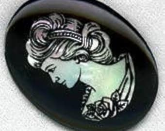 Vintage glass and abalone cameo. 40x30mm. Pkg of 1. b5-497(e)