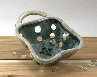 Ceramic Berry Bowl-Handmade Strainer Bowl-Pottery Colander-Handmade Ceramic Strainer