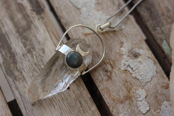 ORGANIC QUARTZ NECKLACE - Labradorite Moon Necklace - Raw Quartz - Moon Jewellery - Gemstone - Powerful - Sterling silver - Chakra - Reiki
