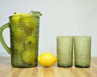 Modern Design Anchor Hocking Soreno Avocado Green Glass Pitcher 64 oz with Two Coordinating Water Lemonade Glasses
