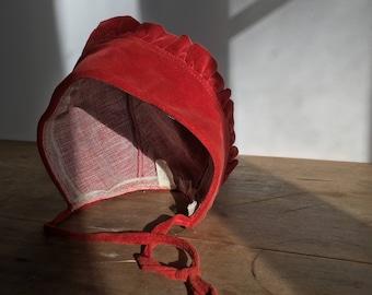 Child bonnet / hat in Velvet / coral / France