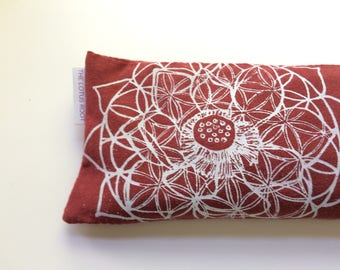 Heart Chakra Flower of Life Eye pillow with washable cover / Organic Cotton and bamboo