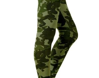 PLUS SIZE Grunge Army Camo Printed Leggings