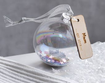 Glass bauble – Home decoration – personalised gift for mum – gifts for her – personalised bauble – Mother's Day – birthday gifts