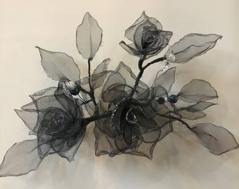 Three roses and leaves. Wire and mesh art. Wire and mesh sculpture. 100% Handmade. Wall decor. Wire and Mesh Rose. Wire and Mesh Vase. 3D