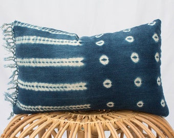 Indigo Fringe Mudcloth Pillow Cover / 14x20 / Shibori, Tie Dye, Kidney, Lumbar