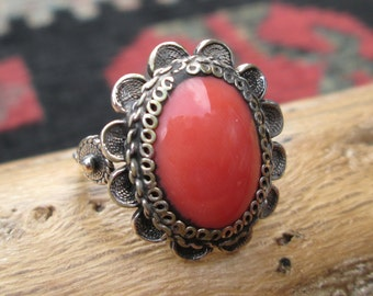 Antique Ornate Spiny Oyster and Sterling Silver Ring Size 6