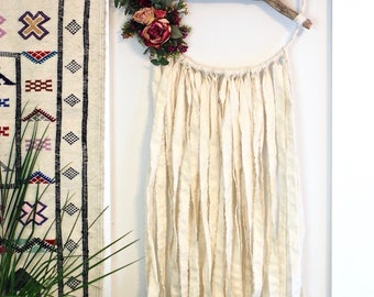 Ivory Branch Dreamcatcher with Dried Flowers
