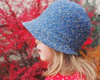 Vintage 1920s Deadstock Blue Flecked Woven Straw Cloche Hat