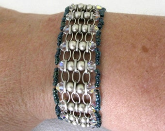 UNIQUE BANGLE BRACELET made with chain, Swarovski Crystals and Pearls