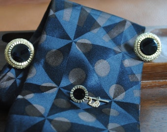 Elegant Round Black on Gold Tone Cuff Links with Matching Tie Pin
