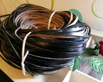 20 cm leather cord in black calfskin, width 5mm 3.0 mm thick