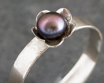 Silver Flower Ring, Pearl Flower Ring, Eco Friendly Jewelry, Recycled Sterling Silver Flower Ring, Pearl Jewelry, Floral Jewelry