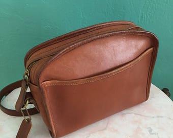 vintage 70's coach leather handbag // cross body bag