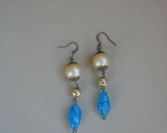 Cultured pearls and turquoise glass beads earrings