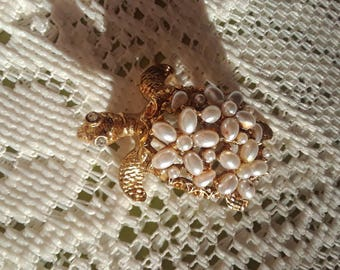 Gold and Pearl Turtle Pin