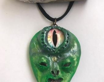 Green third eye alien