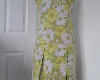60s Vintage Dress with Stitched in Shorts / Vintage Floral Print Dress and Shorts / Pink, Lime Yellow Floral Print / Skort Dress / Chest 40""