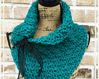 Ladies Teal Cowl