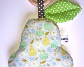 Pear Rattle with teething ring, Doudou