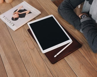 iPad Pro leather case with Apple pencil holder 10.5 / 12.9, iPad leather cover, iPad leather sleeve