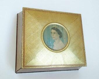 Vintage Biscuit Tin Gold Queen Elizabeth II Coronation 1953 McVitie & Price British Royal Family Memorabilia English Monarchy Collectibles
