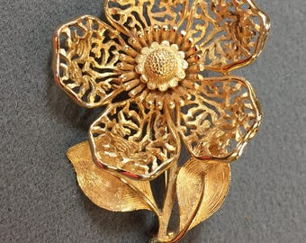 Large Goldtone Flower Brooch.  Free shipping