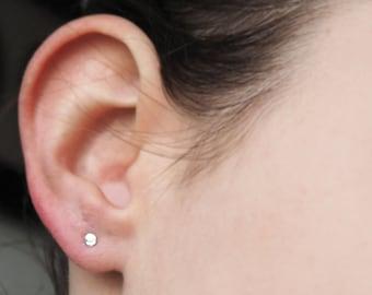 Tiny dot stud earrings in 925 silver 3 mm Mini dot Earstud