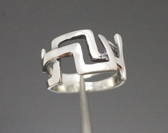 Modernist Retro Abstract Style Antiqued Sterling Silver Ring