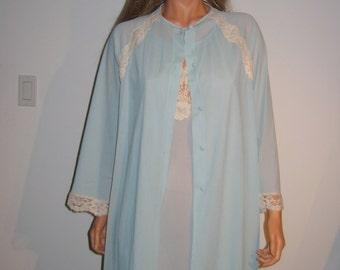 Nightgown & Peignoir. 1970's Vintage.  Blue with Beige lace trim. Van Raalte.  Size Medium.