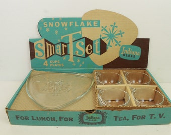 Snowflake Smart Set, Indiana Glass, 4 Cups, 4 Plates, Vintage Luncheon Plates, Clear, In Original Box, Set of 4, for Lunch, Showers, or Tea