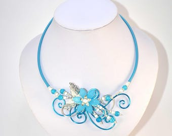 Necklace on turquoise and silver wire (n9)