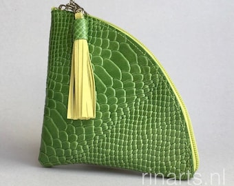 Zipper pouch / triangle zipper purse  QUARTER L  in green croco embossed leather. Leather purse with tassel. Triangle pouch. Travel pouch.