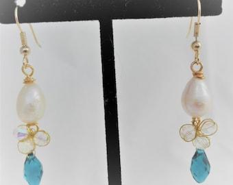 Fresh Water Pearls and Swarovski Crystal Dangling Earrings