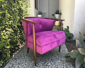 MID CENTURY MODERN Tufted Hot Pink Lounge Chair (Los Angeles)