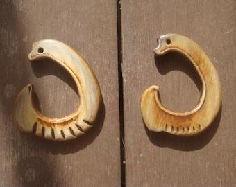 Bone Ear Gauge - Bone Plugs - Horn Earring - Tribal Earrings - Ear Gauge Tapper Hanger - Horn Plug Earrings - Hanging Stretcher Tapper Gauge