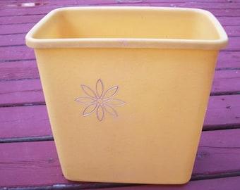 Vintage Awesome Gold Textured Plastic Silver Flower Andy Gard Wastebasket Waste Basket Trash Can