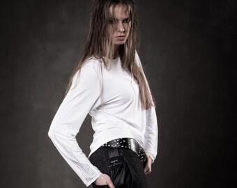 Women white sweatshirt - Stylish viscose top - Urban design sweatshirt - Long sleeves t-shirt - Fashion design sweatshirt