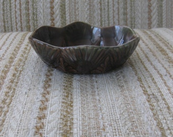 Beauceware Brown and Green Ferns Planter