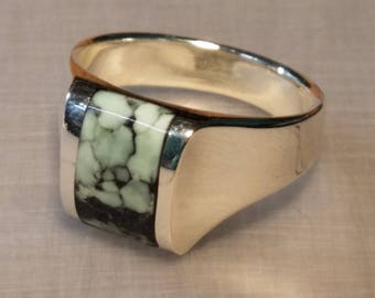 Sterling silver ring inlaid with Webbed Tree Frog variscite size 9