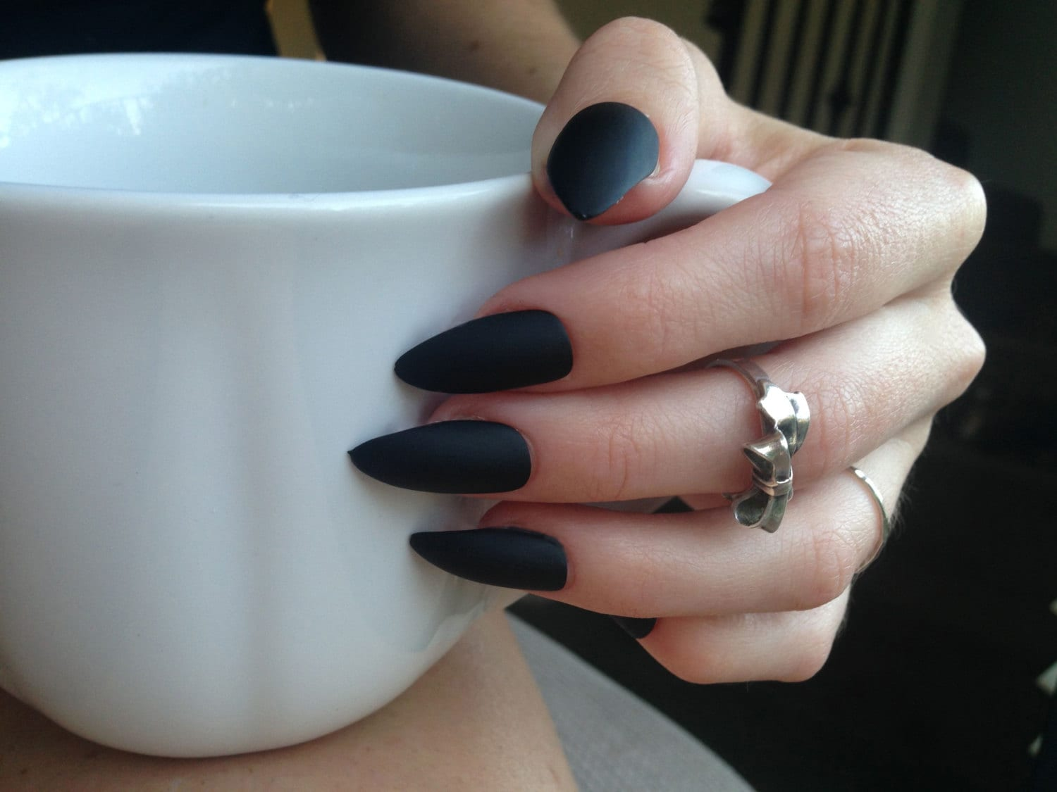 24 Matte Black Stiletto nails matt black nails Matte black