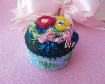 needle felted art wool pincushion blue red flowerpin keeps handmade embroidered floral sewing needlework unique birthday easter gift mom