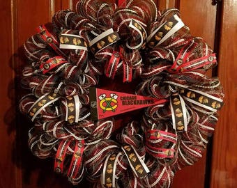 Chicago Blackhawks wreath with pennant