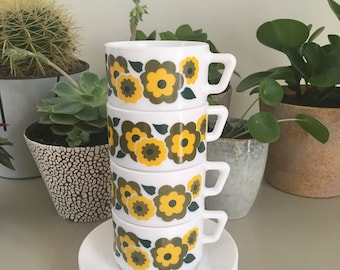 4 Coffee cups and saucers * floral * LOTUS * Arcopal * Pyrex * France * 1970 * Mid century * mint condition