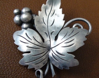 Antique Art Deco Taxco Mexico Sterling Silver Leaf Berry Brooch Pin